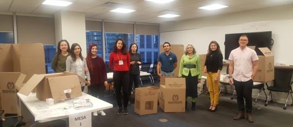 Consulado de Colombia en Vancouver inició la jornada final del proceso electoral en el exterior para Congreso y consultas interpartidistas 2018
